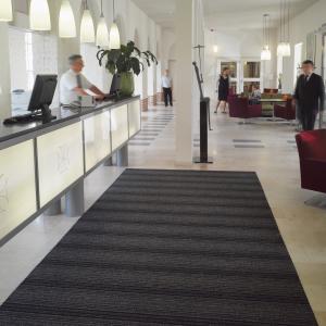 classic-stripe-entrance-mat-inside-building