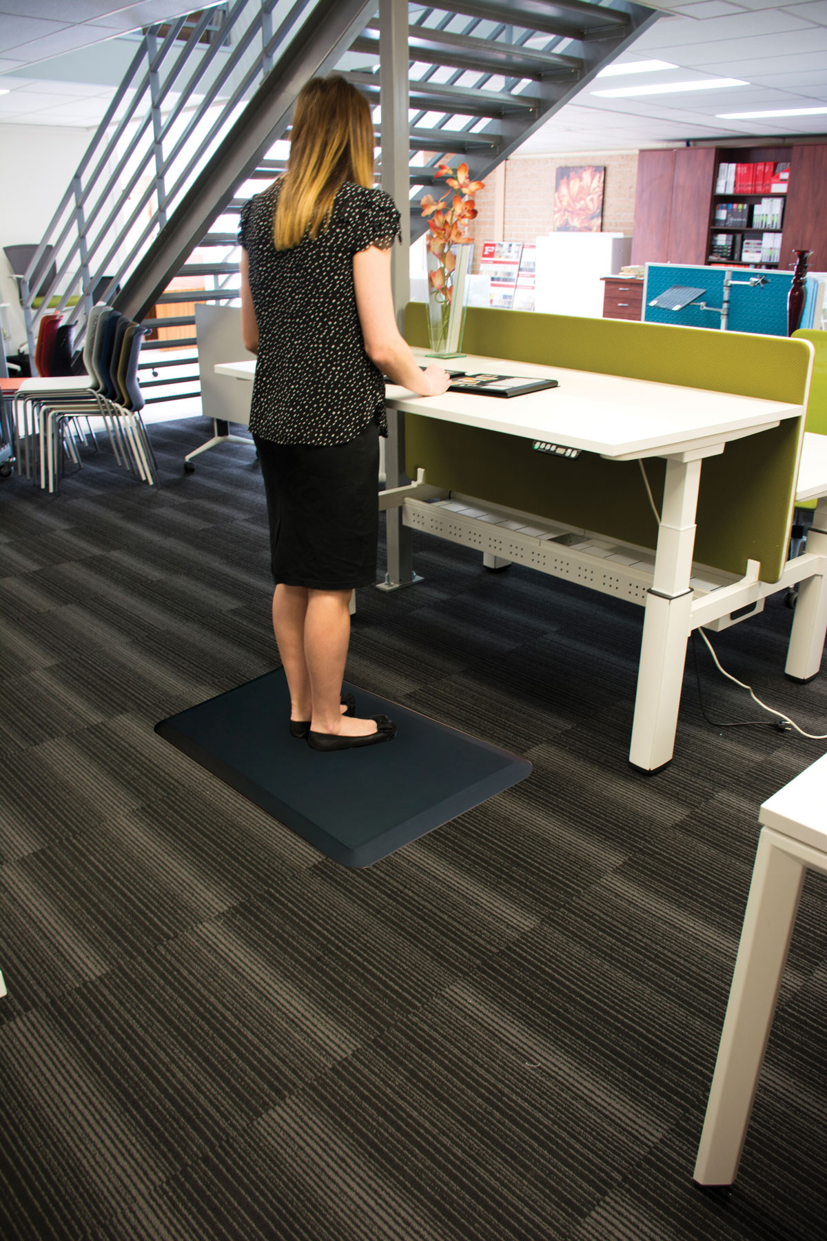 varidesk products activemat desk floor au model en mat rocker standing desks