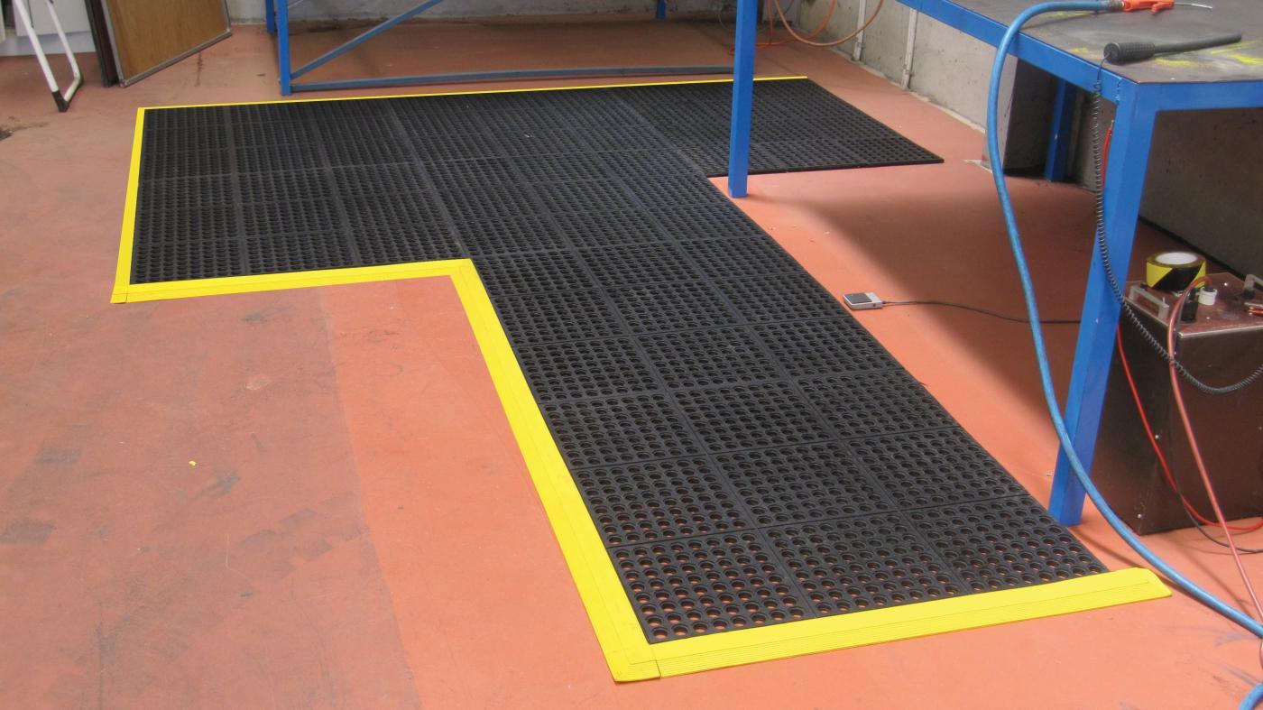 extreme com ergonomics premiersafety matting mats standing mat wc